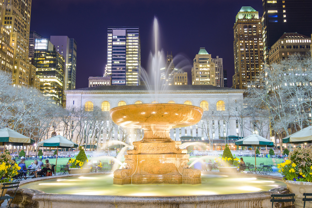 Fountain at Bryant Park in the evening.