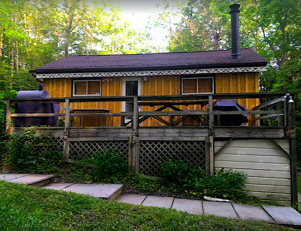 Charming secluded Mountain House with Creek View near Hunter Mountain.