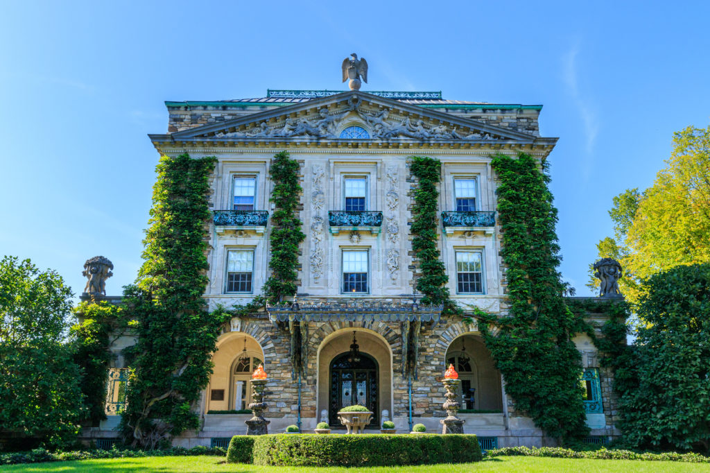 Stunning exterior of the Kykuit Mansion which belonged to the Rockefeller. One of the best things to do in Tarrytown NY.